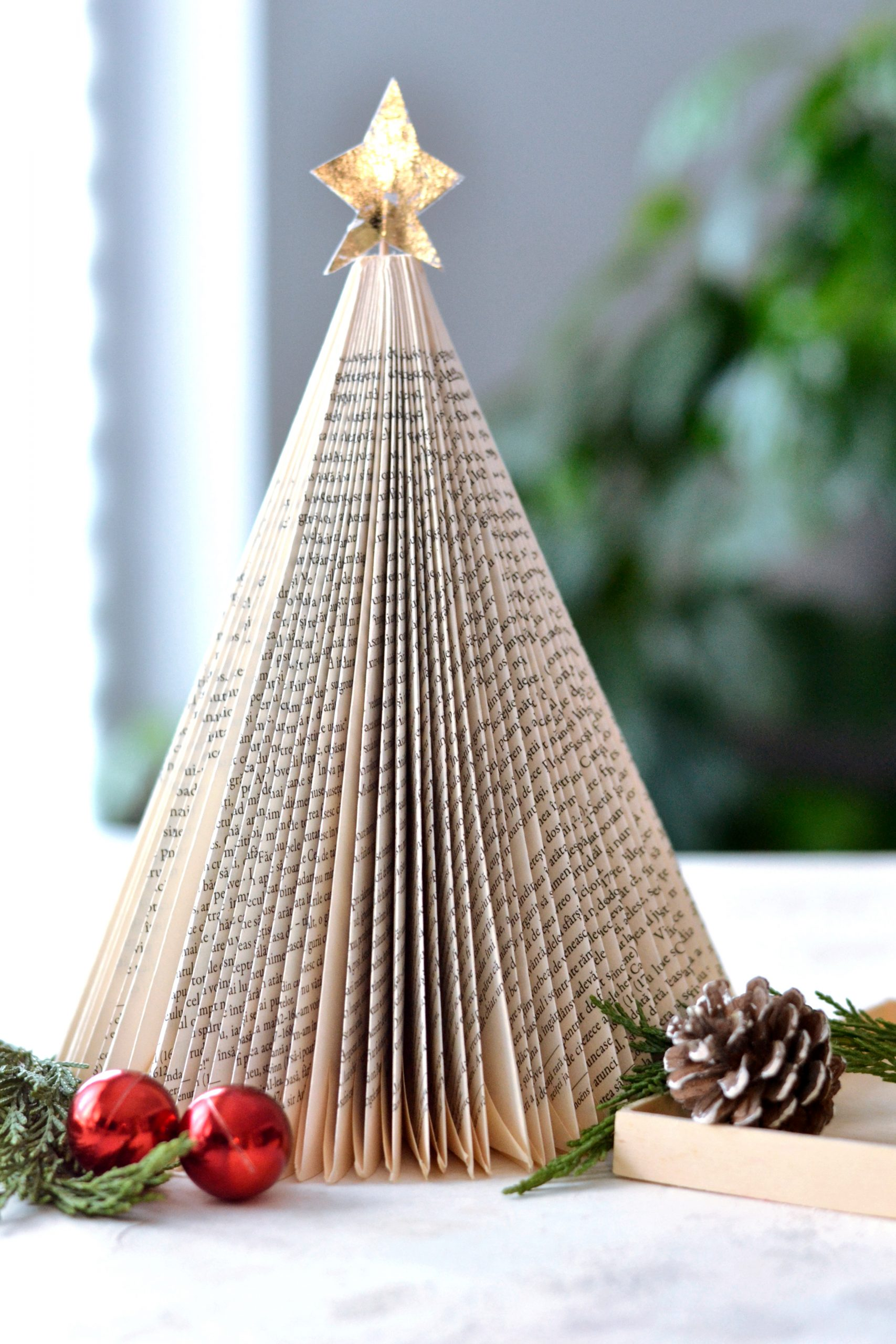DIY Folded Book Christmas Tree with gold foil star ...